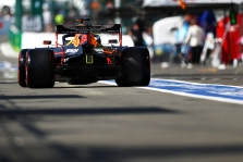 Italijoje M. Verstappenas startuos iš rikiuotės galo