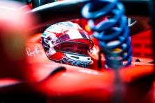 C. Leclercas: M. Verstappenas kartais peržengia ribas