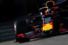 """C. Leclercas mano, kad šeštadienį """"Red Bull"""" pilotai bus greitesni"""