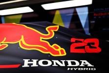 """T. Wolffas: """"Honda"""" ir """"Renault"""" tame pačiame lygyje kaip ir """"Mercedes"""""""