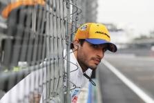 """C. Sainzas: """"McLaren"""" komandoje esu be galo laimingas"""