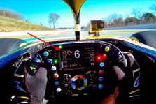 """""""Renault"""" išdavė senas vaizdo įrašas"""