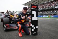 """Oficialu: M. Verstappenas pratęsė kontraktą su """"Red Bull"""""""