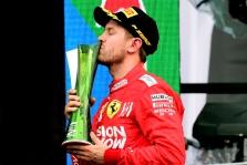 """S. Vettelio nesužavėjo nevykę apdovanojimai ir """"asmenukių vyrukas"""""""