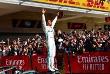 """E. Fittipaldi aukštai įvertino L. Hamiltono vaidmenį """"Formulėje-1"""""""