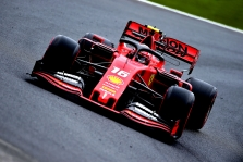"""K. Chandhokas sukritikavo daug klaidų pernai pridariusią """"Ferrari"""""""
