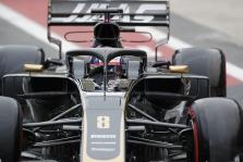 R. Grosjeanas: džiaugiuosi, kad rytoj – paskutinės lenktynės šiai mašinai