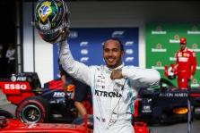 """B. Ecclestone'as: jei """"Mercedes"""" pasitrauks iš F-1, L. Hamiltonas turėtų baigti karjerą"""