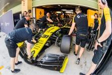 """""""Renault"""" uždarys savo bazes skirtingu laiku"""