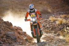 """<span style=""""background:#996633; color:white; padding: 0 2px"""">Dakaras</span> Motociklų įskaitoje pirmas finišavęs S. Sunderlandas sulaukė baudos, pergalė atiteko """"Honda"""" atstovui (atnaujinta)"""