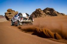 """<span style=""""background:#996633; color:white; padding: 0 2px"""">Dakaras</span> F. Alonso svajoja apie pergalę greičio ruože"""