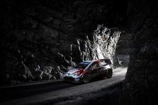 """<span style=""""background:#000000; color:white; padding: 0 2px"""">WRC</span> Monte Karlo ralyje į priekį įsiveržė E. Evansas"""
