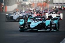 """<span style=""""background:#009696; color:white; padding: 0 2px"""">FE</span> Chaotiškose lenktynėse Meksikoje pergalę iškovojo M. Evansas"""