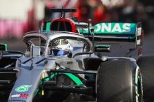 """""""Mercedes"""" ant ausų pastatė visą """"Formulę-1"""" su gudria priekine pakaba"""