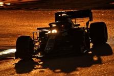 """""""Renault"""" dalį darbuotojų išleido atostogų, o biudžeto lubų aptarimas atidėtas kitai savaitei"""