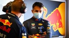 """G. Russellas: dėl """"Red Bull"""" sprendimų A. Albonas atrodo kaip idiotas"""