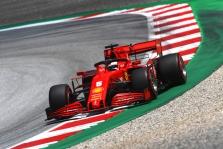 Buvę F-1 pilotai kritikuoja S. Vettelį