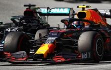 """""""Mercedes"""" bijo """"Red Bull"""" greičio Vengrijoje"""