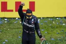 """L. Hamiltonas pažėrė kritikos savo kolegoms ir """"Formulės-1"""" vadovams"""