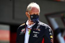 """""""Red Bull"""" neplanuoja sustoti modernizavusi bolidą"""