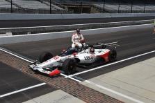 """<span style=""""background:#3f3f3f; color:white; padding: 0 2px"""">IndyCar</span> Po 33 metų pertraukos, Indianapolyje vėl greičiausias Andretti"""