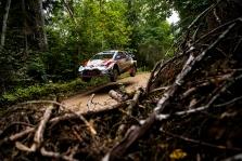 """<span style=""""background:#000000; color:white; padding: 0 2px"""">WRC</span> Estijoje prasidėjusiame ralyje - du lyderiai"""