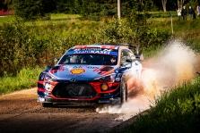 """<span style=""""background:#000000; color:white; padding: 0 2px"""">WRC</span> Estijos ralio lyderiu tapo O. Tanakas"""