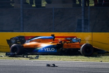 """McLaren"" bolidas yra labai jautrus vėjui"