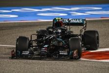 V. Bottas nesupranta, kodėl greičiu negalėjo prilygti L. Hamiltonui