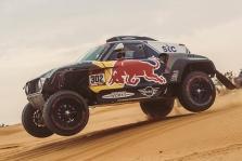 Dakaras. S. Peterhanselis užtikrintai artėja prie pergalės, B. Vanagas – per žingsnį nuo dešimtosios vietos
