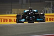 Po atkaklios kovos - L. Hamiltono triumfas pirmose sezono lenktynėse