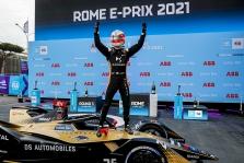 FE. Romoje vykusiose lenktynėse pergalę iškovojo J.-E. Vergne'as