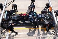 """V. Botto mašinos avarija kainuos """"Mercedes"""" 1 mln. svarų"""