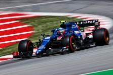 E. Oconas kvalifikacijoje buvo penktas su apgadintu bolidu