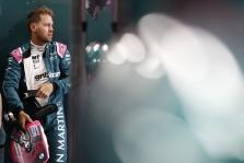 Po lenktynių Silverstoune, S. Vettelis liko trasoje rinkti šiukšlių