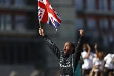 L. Hamiltonas po incidento su M. Verstappenu sulaukė rasistinių užgauliojimų