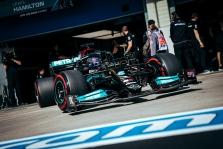 J. Villeneuve'as: situacija čempionate neatspindi L. Hamiltono klaidų gausos